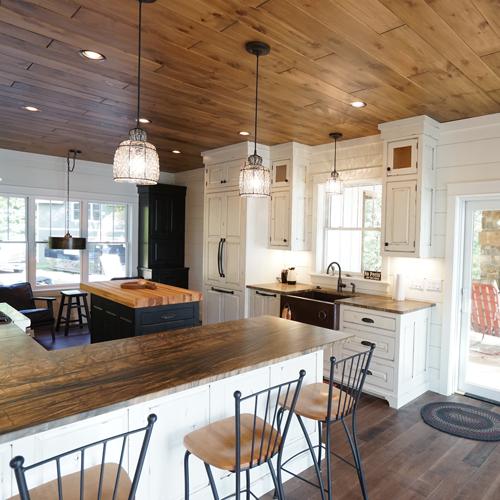 custom--lake-home--kitchen-1